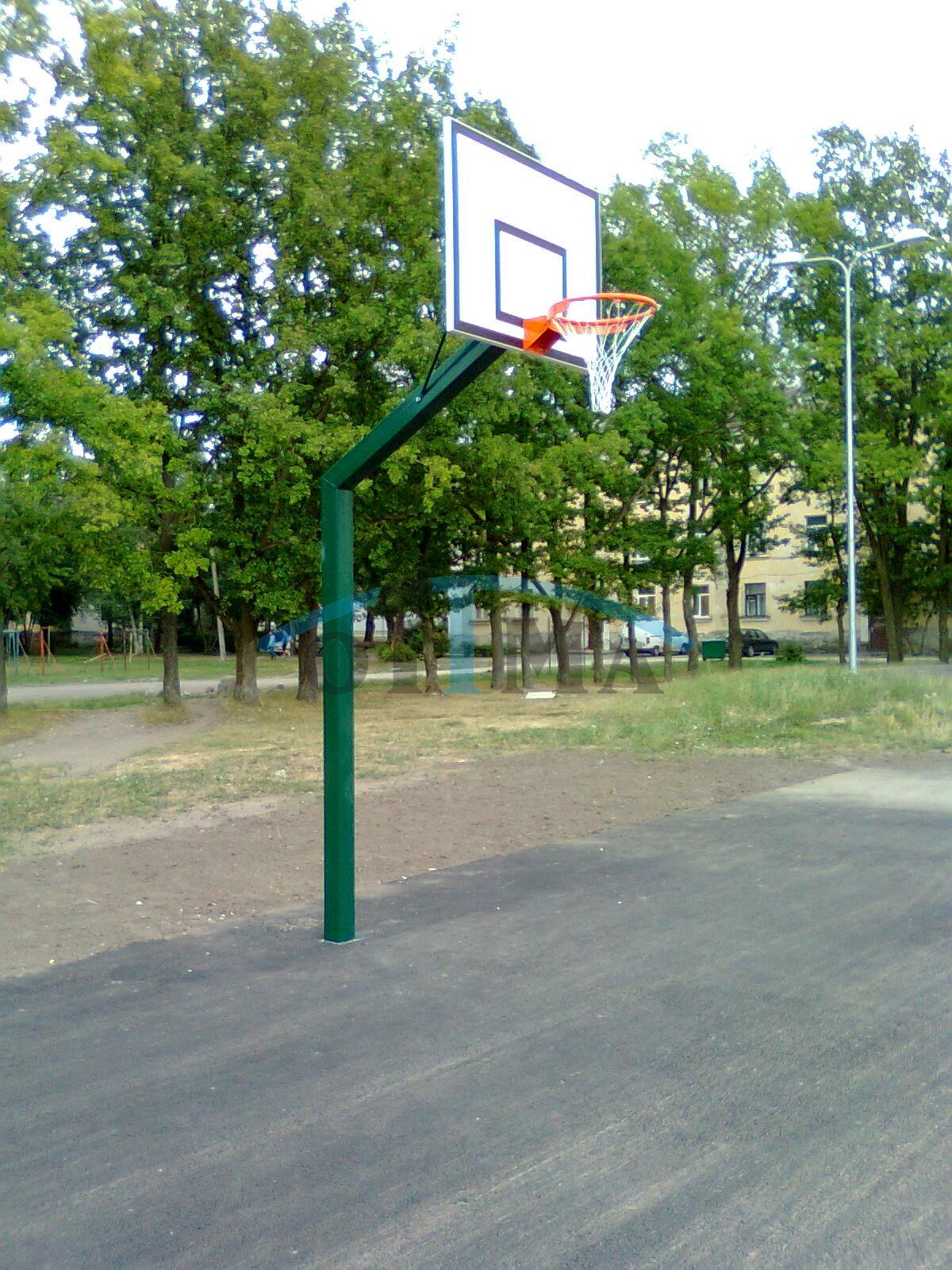 Korvpalli välikonstruktsioon väikese korvpallilauaga