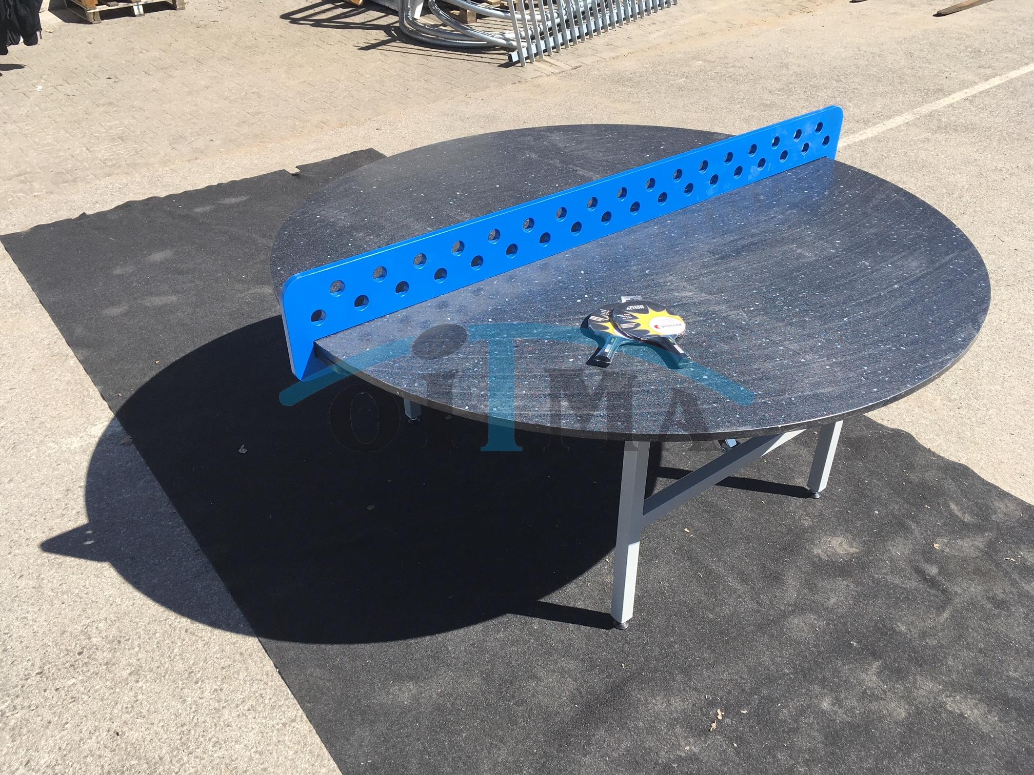 Ümmargune lauatennise laud